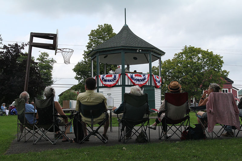 Brass band at bandstand 2018 1898