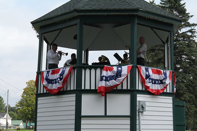 Brass band at bandstand 2018 1877